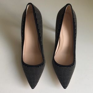 Club Monaco black stud pump